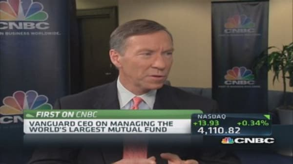 McNabb addresses banks vs. mutual funds