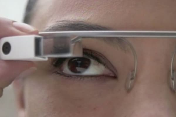 Tech Yeah! Google Glass users suffer from eye strain