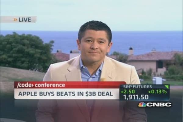 It's a deal: Apple buys beats for $3 billion