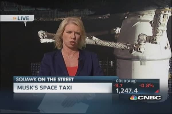 The SpaceX space taxi
