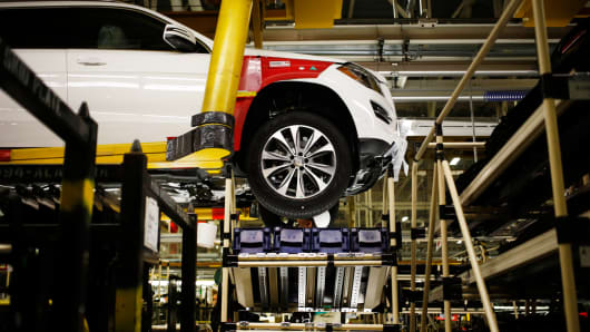 A Daimler AG Mercedes Benz M-Class vehicle moves along the production line at the company's international assembly plant in Vance, Alabama, May 28, 2014.