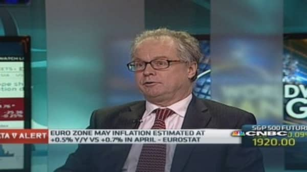 Deflation 'convenient' for euro zone: Economist