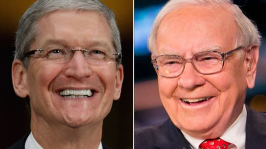 Tim Cook and Warren Buffett