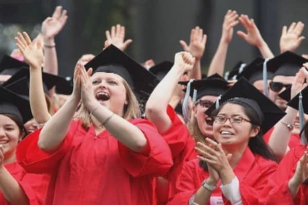 What makes a great commencement speech