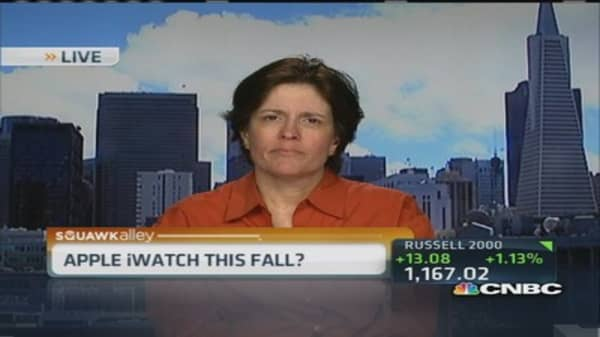 Swisher: Expect iWatch this fall