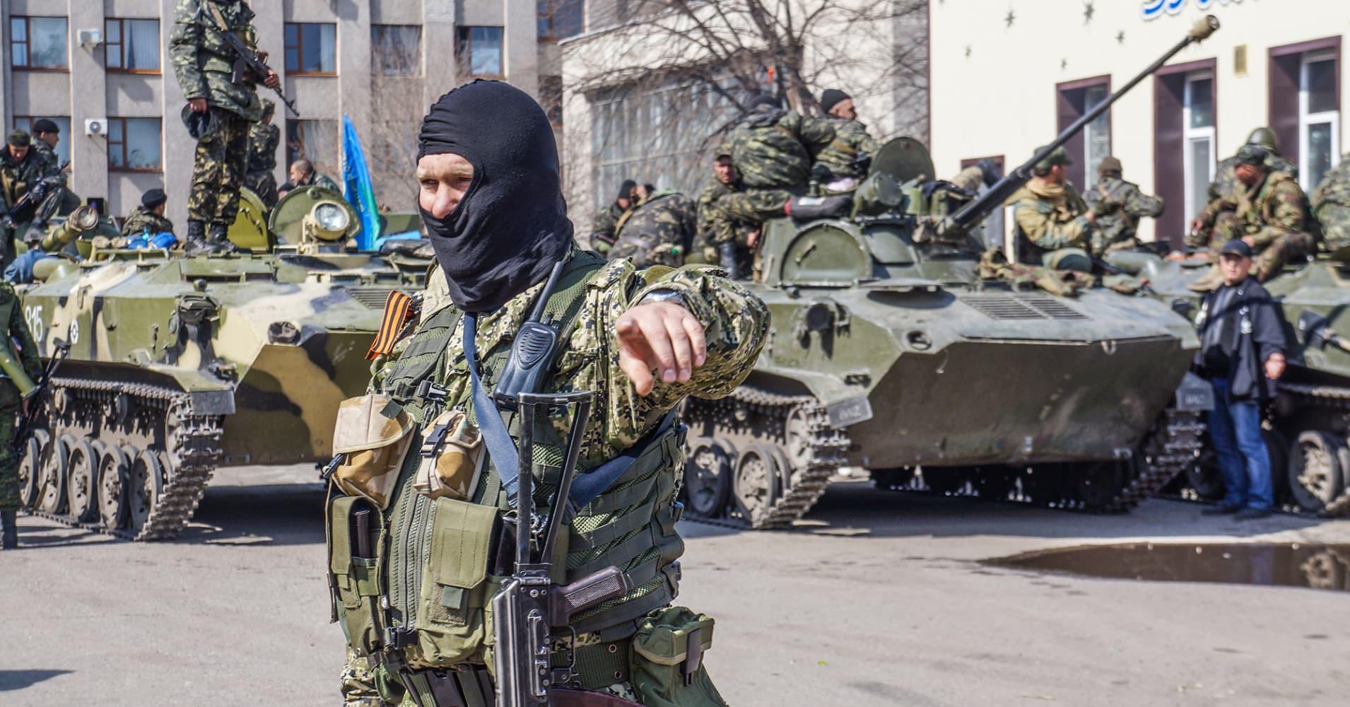 Rebels press Ukraine offensive as Obama pledges action ...
