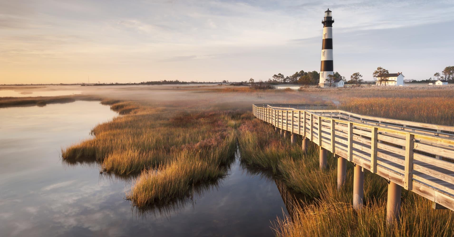 Bodie Island Lighthouse, Cape Hatteras National Seashore, North Carolina загрузить