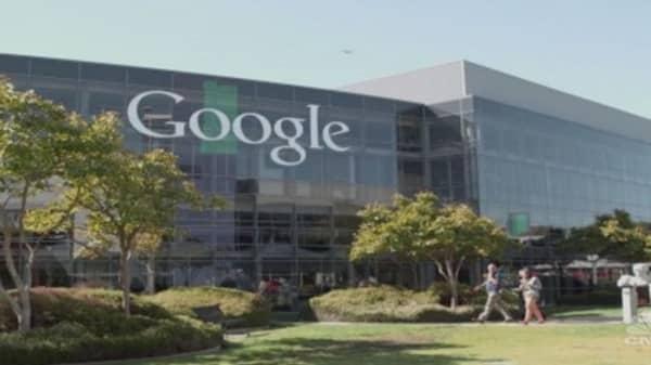 Google tests domain registration service