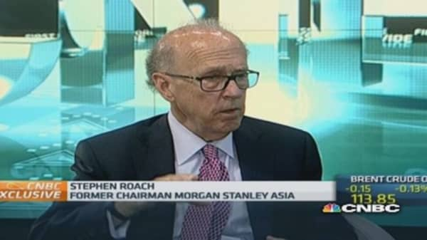 Fed policy could lead to financial 'mess': Yale's Roach