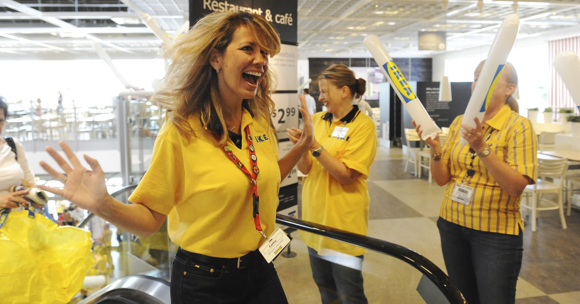 Ikea raises minimum wage for us workers 2nd year in a row for Ikea in america