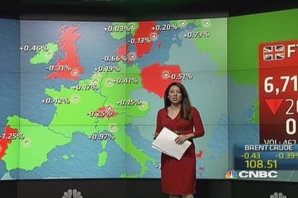 Europe stocks close flat, Portugal falls sharply