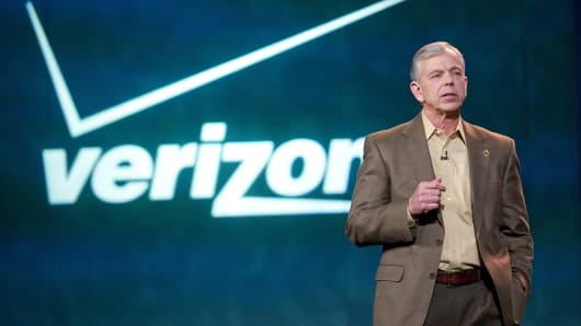 Verizon CEO Lowell C. McAdam speaks during a keynote address at the 2013 Consumer Electronics Show in Las Vegas.