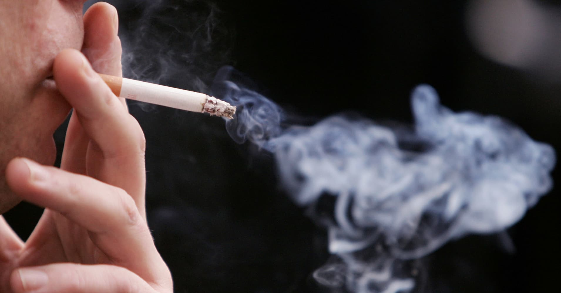 CDC says smoking rates fall to record low in US