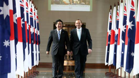 Japanese Prime Minister Shinzo Abe Visits Australia