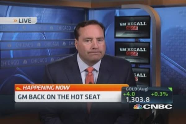 GM CEO back on the hot seat