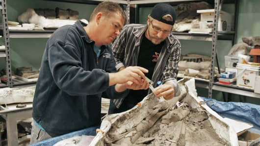 Amateur paleontologist and beer lover Jason Osborne, left, and microbiologist Jasper Akerboom.