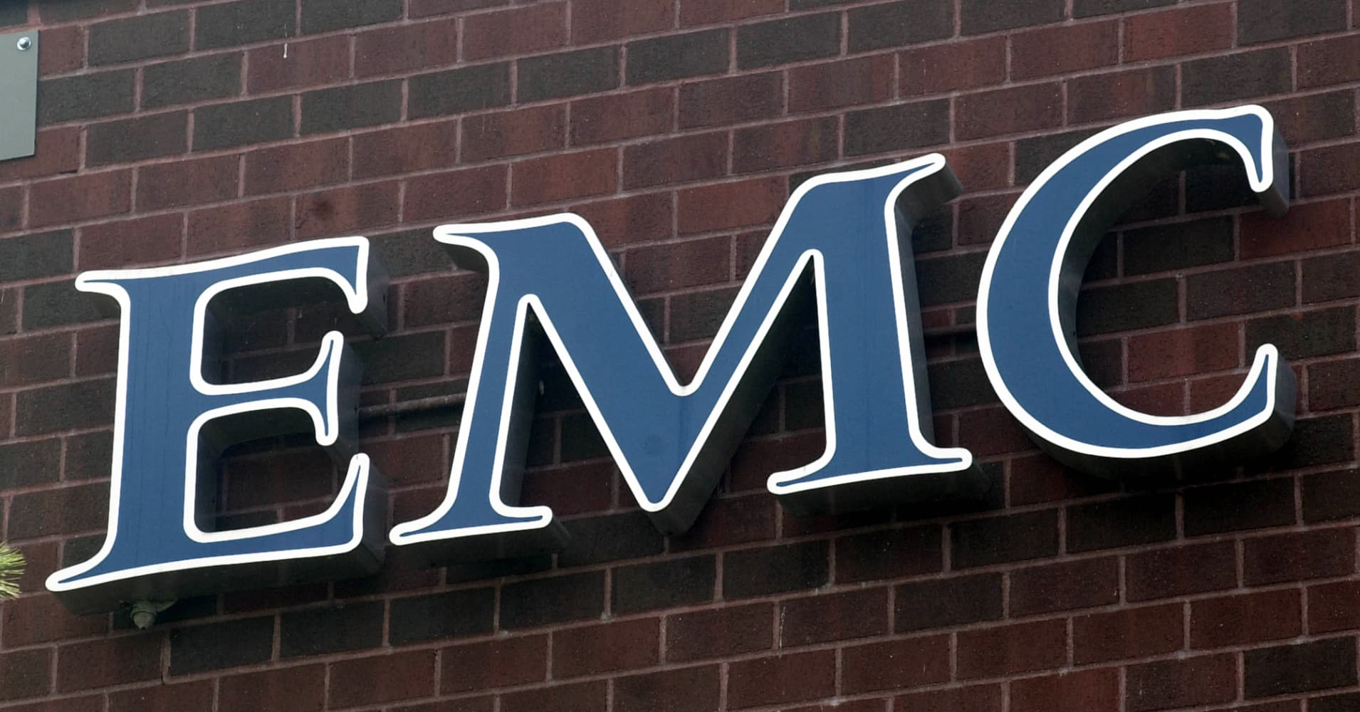 Emc Wants Go Shop Provision In Dell Deal Sources