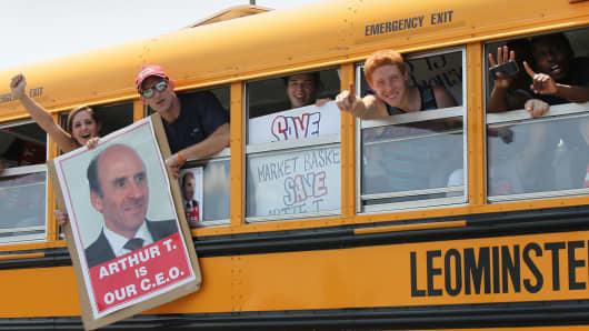 Market Basket workers from two Fitchberg stores were transported to a rally on July 18, 2014. Employees have demanded the reinstatement of Arthur T. Demoulas, who was ousted.