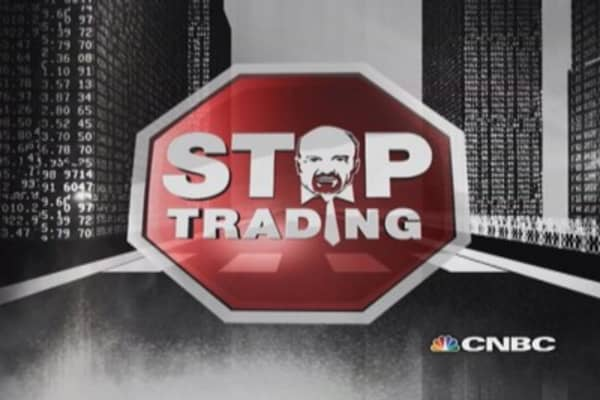 Cramer's Stop Trading: Pitney Bowes & Eaton
