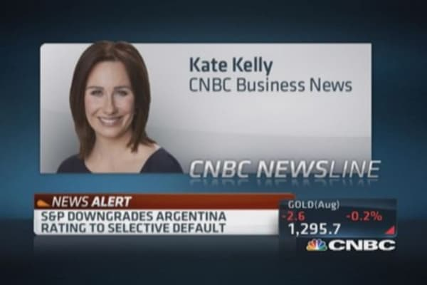 S&P downgrades Argentina rating to selective default
