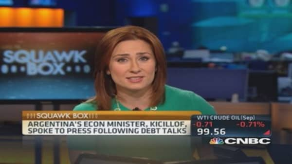 Argentine stocks tumble after default news