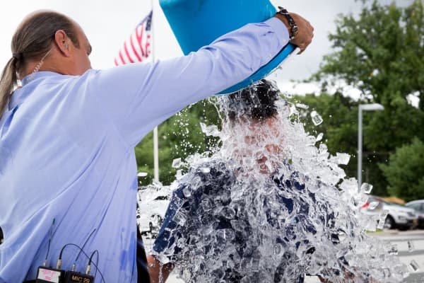 Scott Wapner gets iced after accepting the Ice Bucket Challenge!