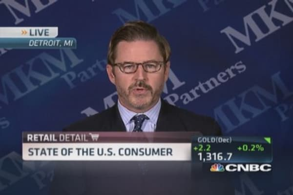 Slow consumer spending hurts retailers
