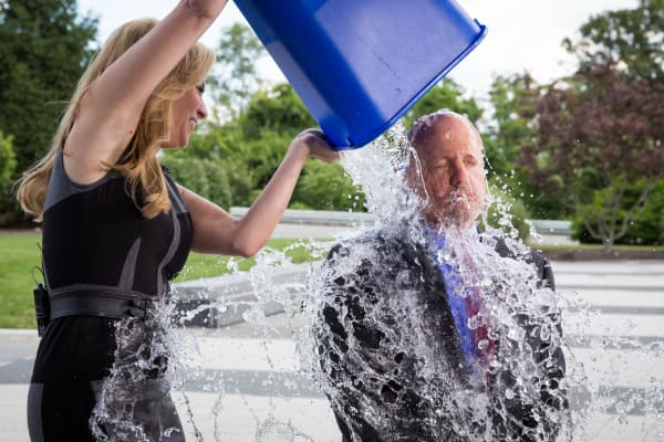 Jim Cramer of CNBC takes the Ice Bucket Challenge.