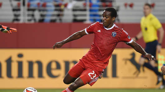 Atiba Harris No. 23 of the San Jose Earthquakes dribbles the ball up field against the Seattle Sounders during the first half of an MLS soccer game at Levi's Stadium on Aug. 2, 2014 in Santa Clara, Calif.