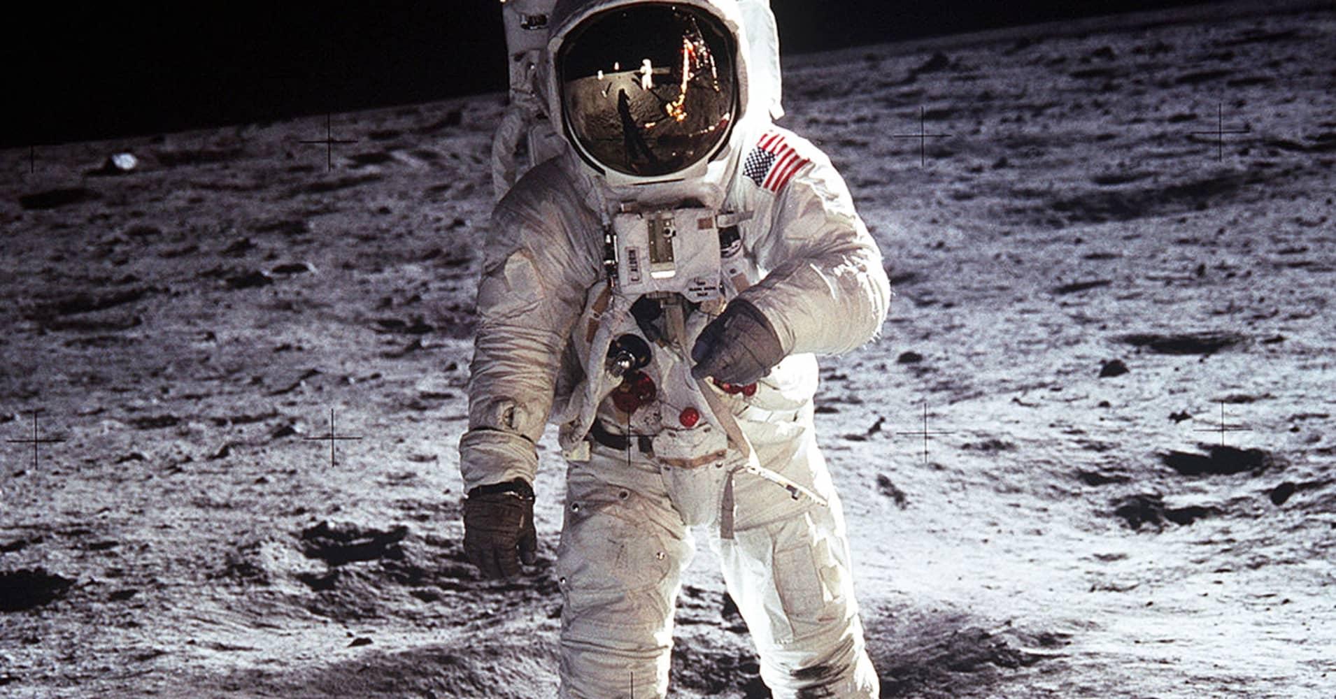 astronaut  - photo #10