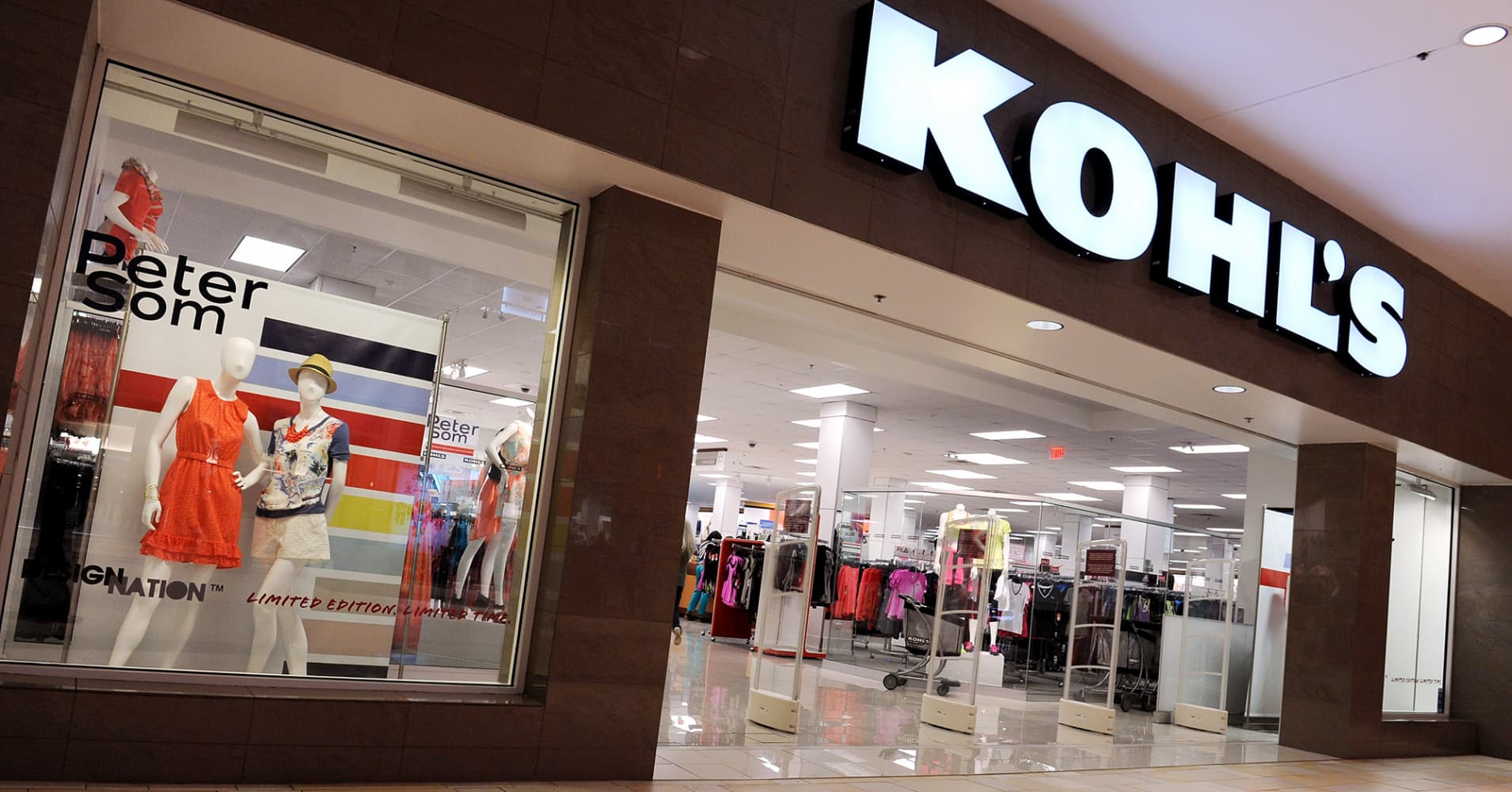 Kohls Earnings Miss Estimates Sending The Retailers Shares Lower