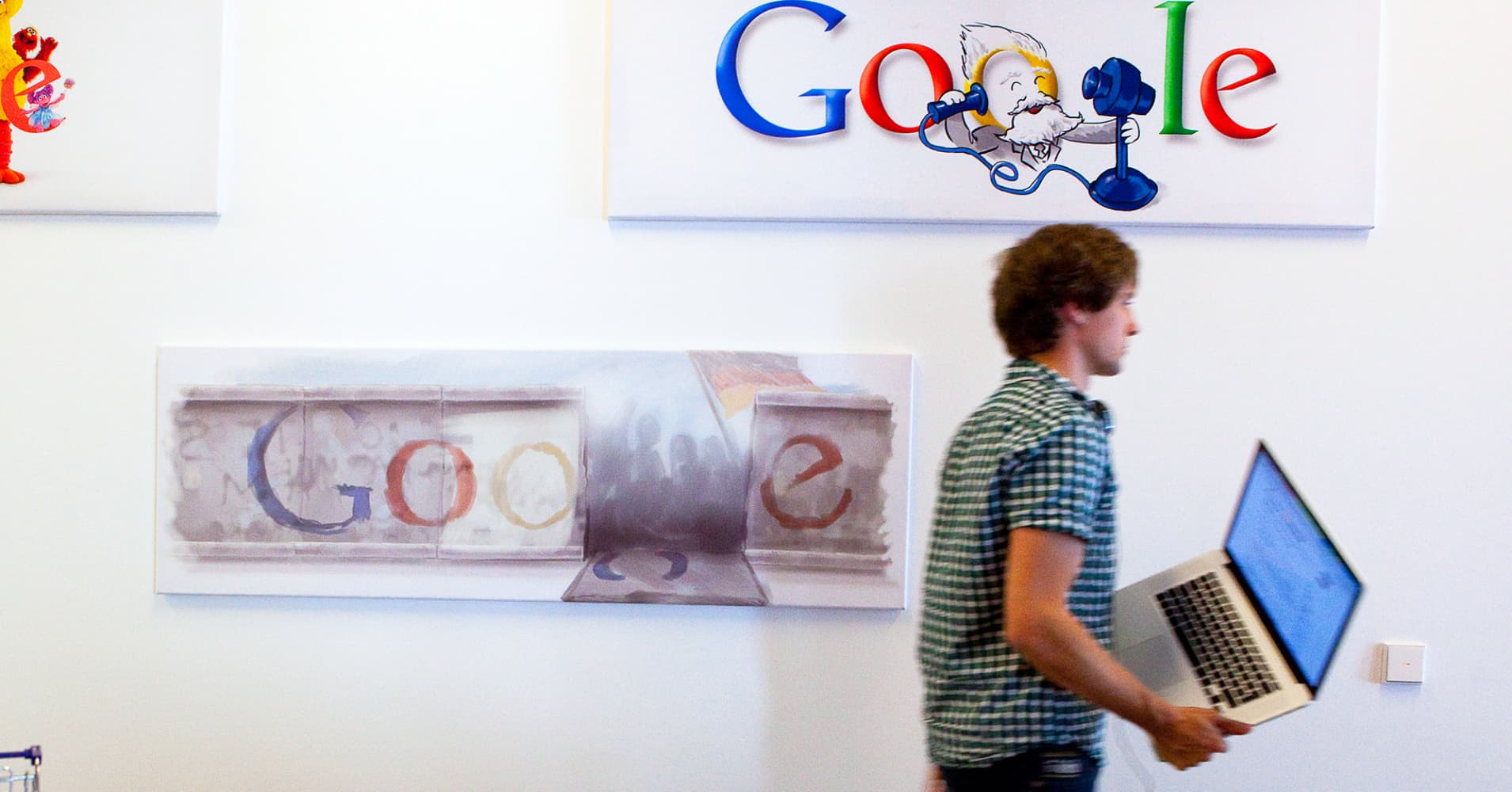 Want a job at Google or Amazon? These 4 (little-known) resume tricks can help you get hired