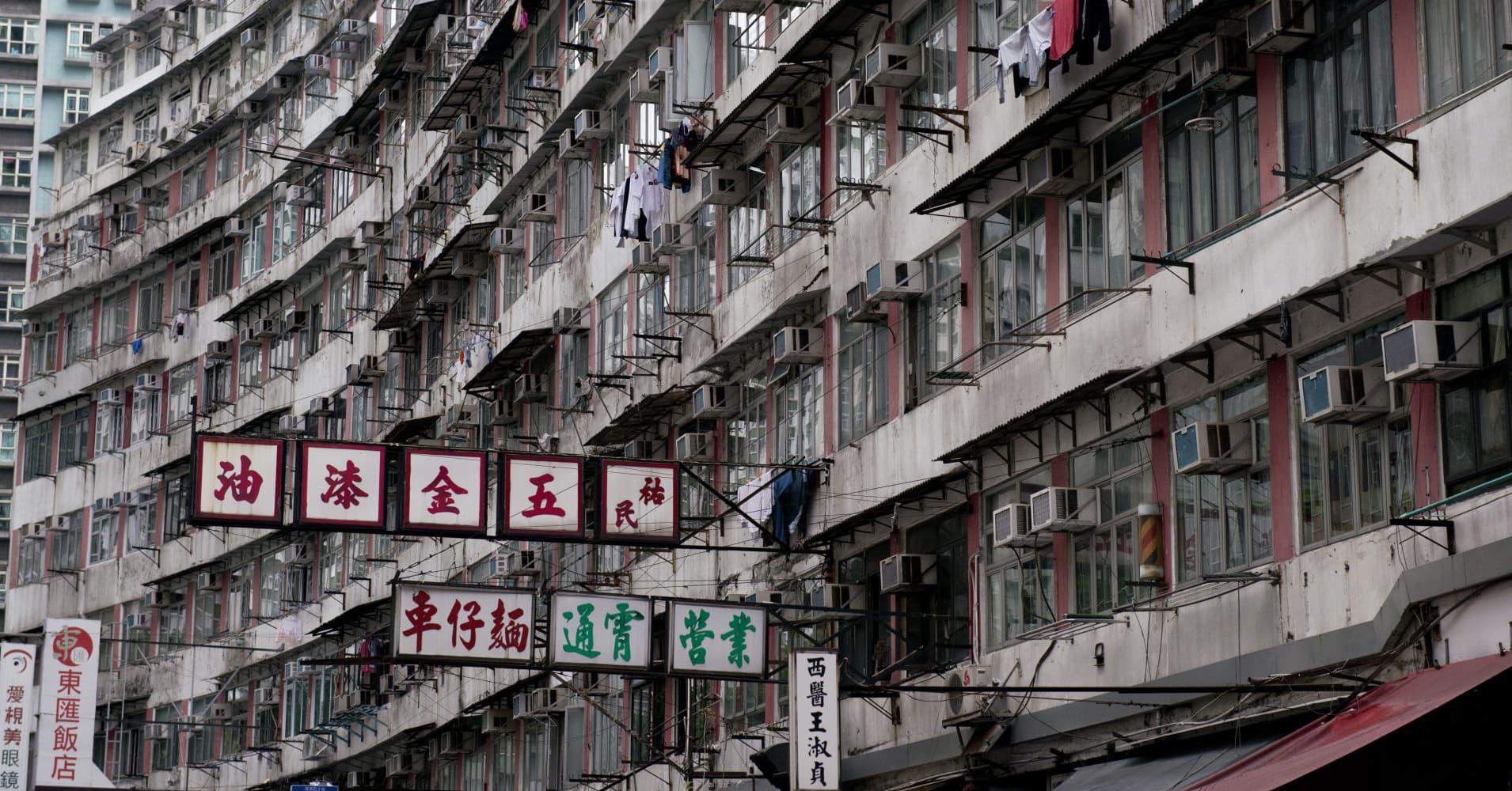 Hong Kong housing prices could fall 25 percent next year if trade war worsens