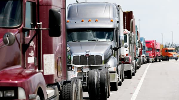 Big rigs, trucking, GDP growinng, US economy