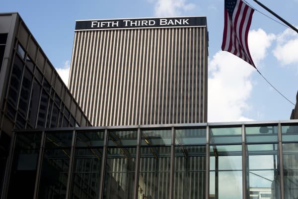 Fifth Third Bank headquarters in Cincinnati, Ohio.