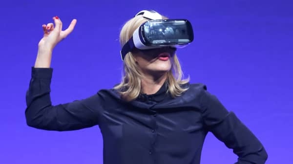 Television presenter Rachel Riley tries the new Samsung Gear VR device at the Unpacked 2014 Episode 2 event ahead of the IFA Electronics show in Berlin, September 3, 2014.