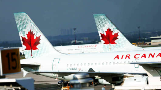 File Shots of Air Canada plane on tarmac at Pearson Airport. Toronto