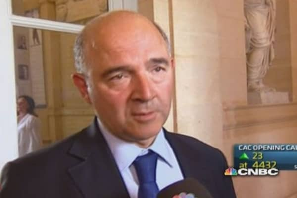 French government survives socialist MP revolt