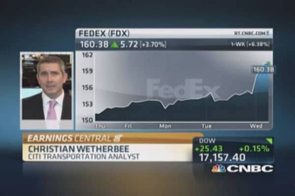 FedEx better positioned than UPS: Analyst