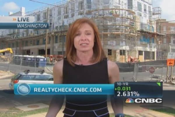 Close look at home construction plunge