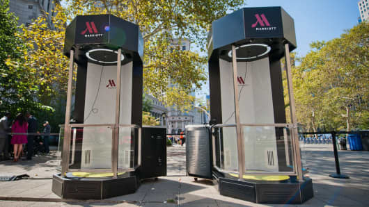 Marriot Hotel virtual reality pods