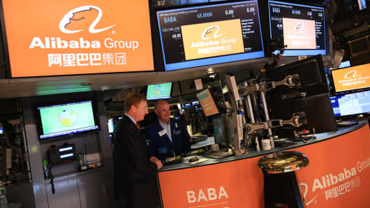 Traders on the floor of the New York Stock Exchange during Alibaba Group IPO, September 19, 2014.