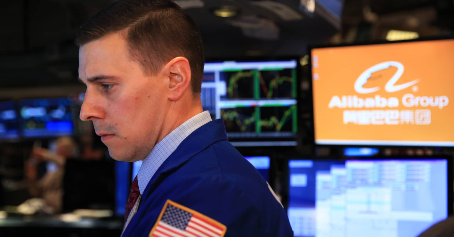 Alibaba Baidu Beat Earnings Expectations Attract Investors