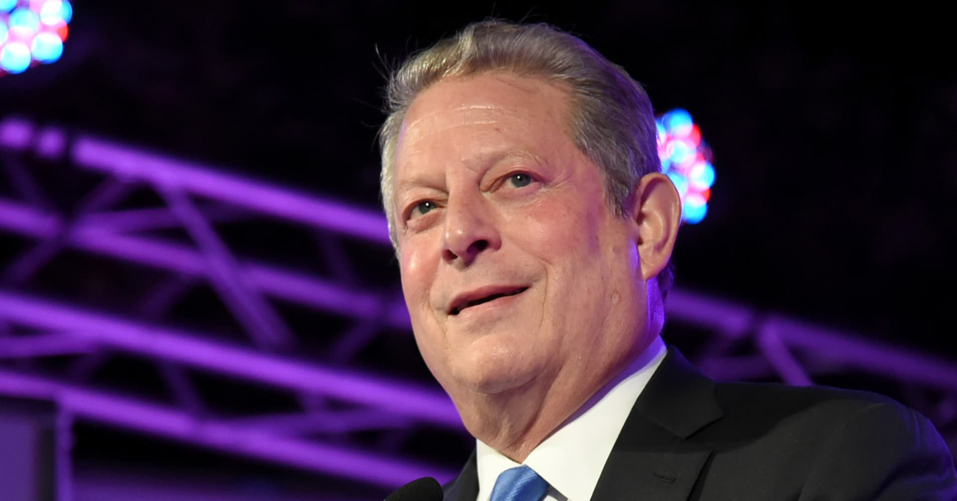 Al Gore has sold more than $37 million worth of Apple stock in February