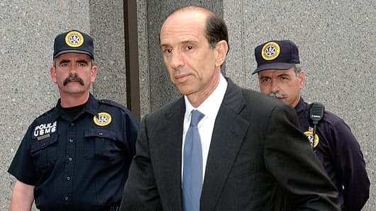 Former ImClone CEO Sam Waksal leaves federal court in New York, June 10, 2003.