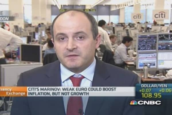 Euro lower on QE expectations: Pro