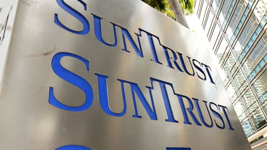 SunTrust Bank signage is displayed outside of a branch in Miami.