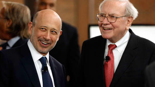 Goldman Sachs Group CEO Lloyd Blankfein (left) and Warren Buffett, CEO of Berkshire Hathaway