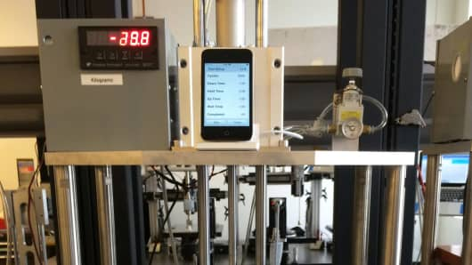Machine that tests iPhone durability
