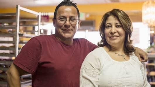 Small business hispanic couple latino